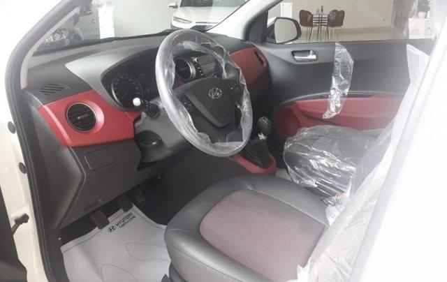 Cần bán xe Hyundai Grand i10 AT đời 2019, màu trắng, giá chỉ 405 triệu1