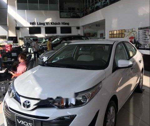 Bán xe Toyota Vios đời 2019, màu trắng, giá tốt1