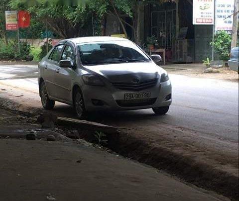 Cần bán lại xe Toyota Vios năm 2010, màu bạc2