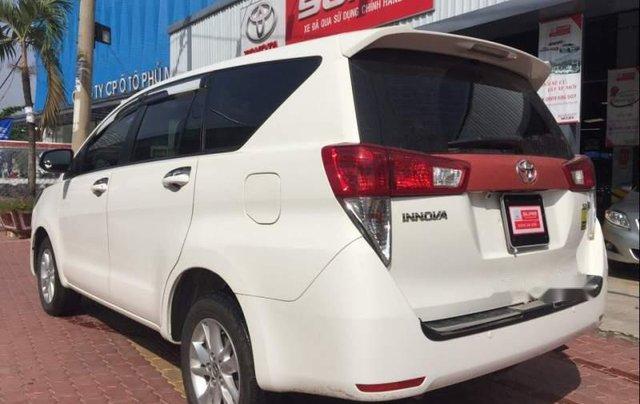 Cần bán xe Toyota Innova năm 2018, màu trắng, nhập khẩu0