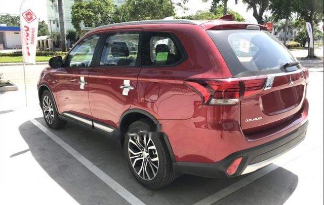 Bán xe Mitsubishi Outlander sản xuất năm 2019, màu đỏ, 807.5 triệu0