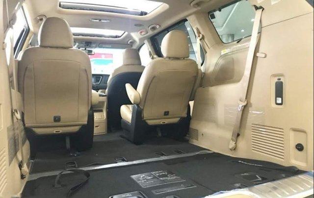 Cần bán Kia Sedona sản xuất 2019, màu trắng giá cạnh tranh4