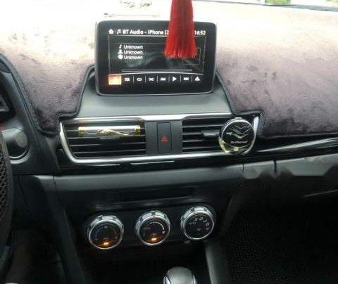 Bán xe Mazda 3 2016, màu trắng số tự động, giá chỉ 570 triệu3