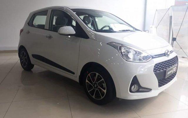 Cần bán xe Hyundai Grand i10 AT đời 2019, màu trắng, giá chỉ 405 triệu0