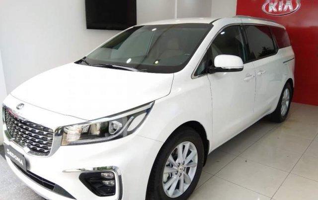 Cần bán Kia Sedona sản xuất 2019, màu trắng giá cạnh tranh1