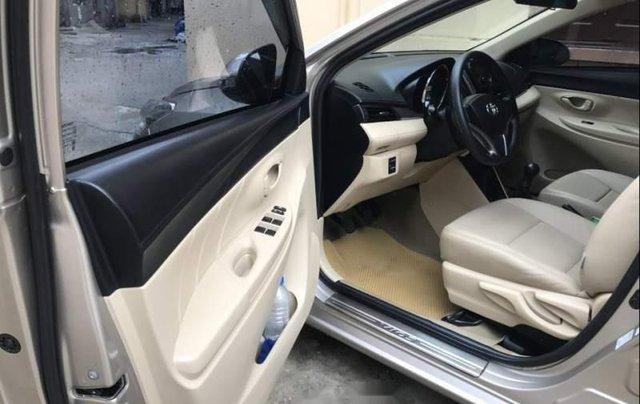 Bán lại xe Toyota Vios 1.5E MT sản xuất 2017, màu bạc số sàn2