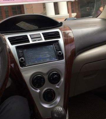 Cần bán lại xe Toyota Vios năm 2010, màu bạc4