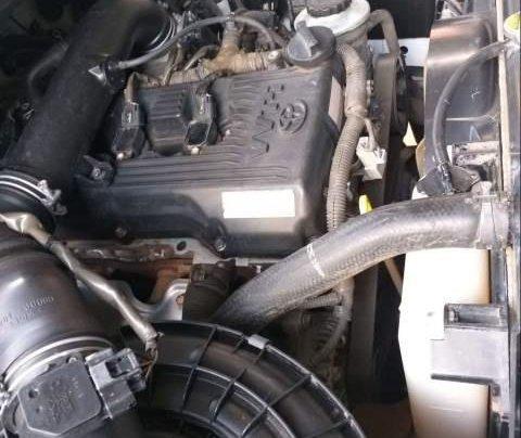 Cần bán Toyota Innova G 2010, màu trắng xe gia đình, giá 325tr2