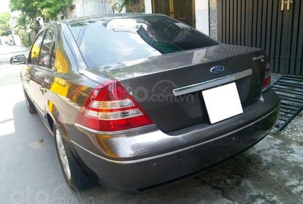 Gia đình cần bán Ford Mondeo 2005 AT full option, màu xám0