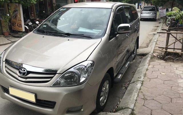 Nhà mình cần bán xe Toyota Innova 2008 số sàn màu nâu vàng7