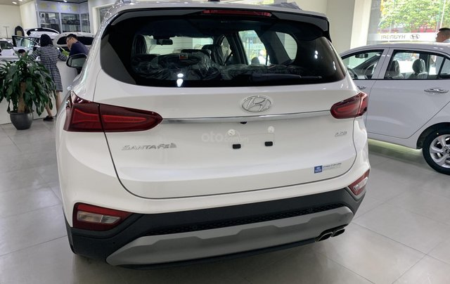 Bán xe Hyundai Santa Fe đời 2019, hỗ trợ mua trả góp lên tới 85% giá trị xe, có xe giao ngay. LH ngay 086.24.42.6888