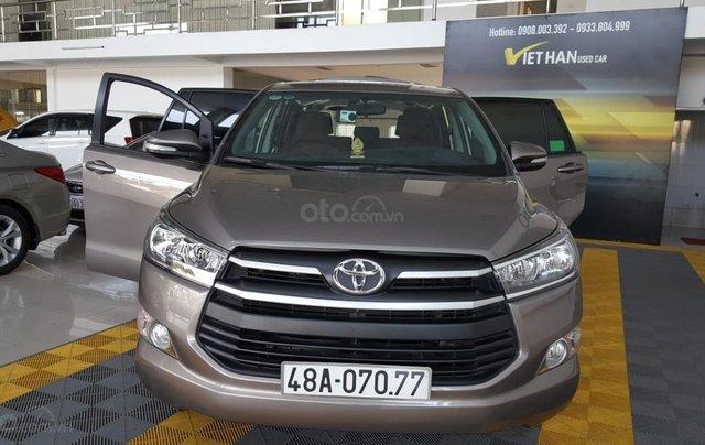 Bán Toyota Innova 2.0E màu nâu titan, số sàn, sản xuất 2018 xe như mới0