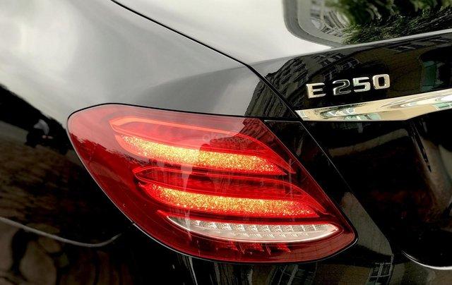 Cần bán Mercedes E250 sản xuất 2018, màu đen Hà Nội2