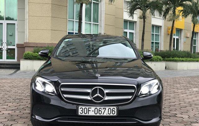 Cần bán Mercedes E250 sản xuất 2018, màu đen Hà Nội3