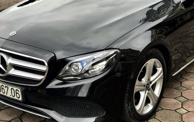 Cần bán Mercedes E250 sản xuất 2018, màu đen Hà Nội6
