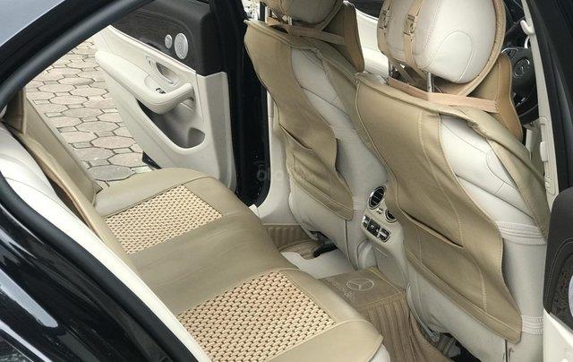 Cần bán Mercedes E250 sản xuất 2018, màu đen Hà Nội7