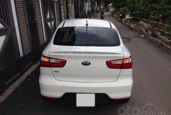 Cần bán xe Kia Rio 2016 màu trắng, số tự động7