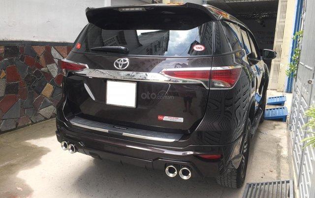 Cần bán xe Toyota Fortuner 2017, máy xăng, số tự động, màu cánh dán5