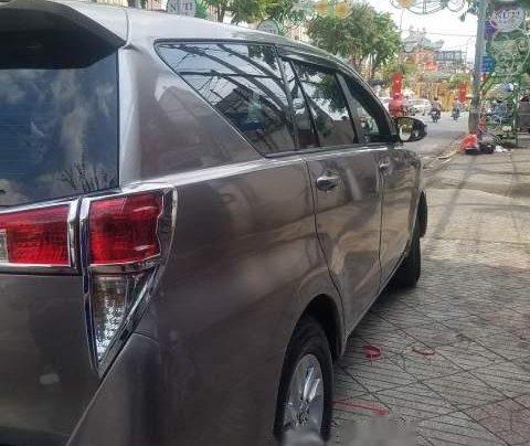 Bán Toyota Innova sản xuất năm 2018, màu xám, số sàn
