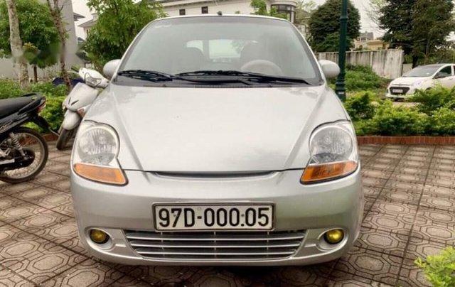 Bán xe Chevrolet Spark sản xuất năm 2011, màu bạc0