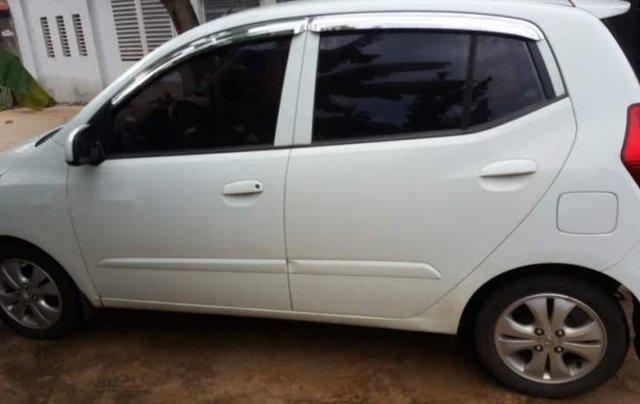 Bán Hyundai Grand i10 năm sản xuất 2011, màu trắng, nhập khẩu