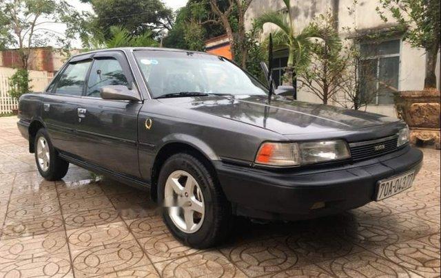 Cần bán gấp Toyota Camry đời 1988, màu xám, nhập khẩu0