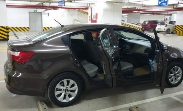 Bán lại xe Kia Rio 1.4AT đời 2015, màu nâu, nhập khẩu nguyên chiếc chính chủ0