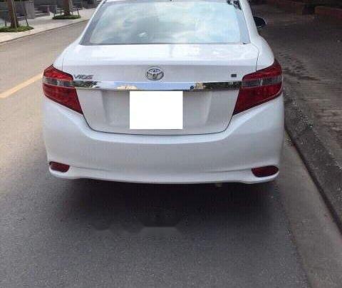 Bán Toyota Vios sản xuất năm 2014, màu trắng, số tự động1