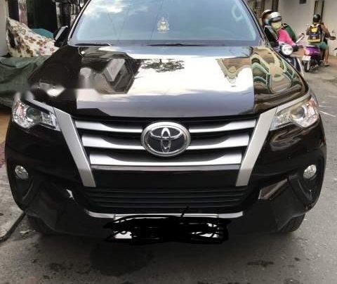 Bán Toyota Fortuner năm 2017, màu đen0