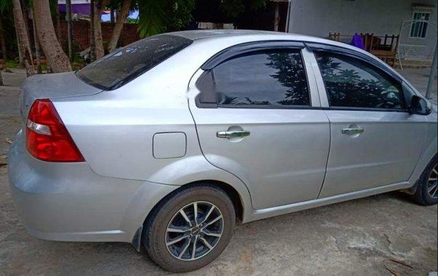 Cần bán lại xe Daewoo Gentra năm 2009, màu bạc xe gia đình0