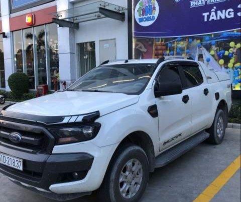 Cần bán lại xe Ford Ranger sản xuất năm 2017, màu trắng, xe nhập như mới0