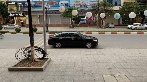 Cần bán Toyota Camry 2.5 AT đời 2009, màu đen 7
