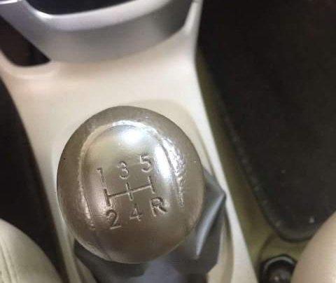 Cần bán gấp Toyota Vios đời 2012, màu bạc số sàn giá cạnh tranh4