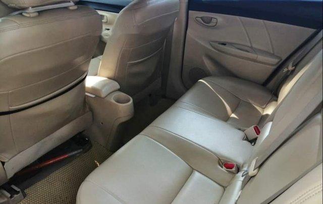 Cần bán gấp Toyota Vios đời 2016, màu bạc1