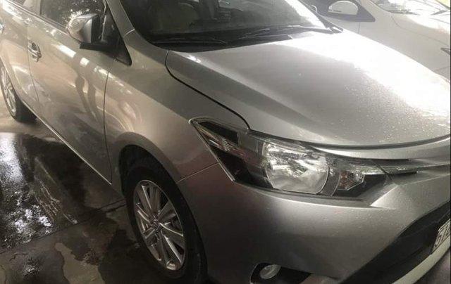 Bán gấp Toyota Vios năm sản xuất 2017, màu bạc số tự động giá cạnh tranh2