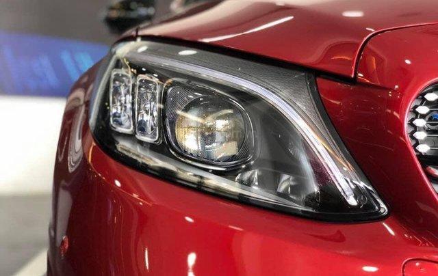 Bán Mercedes C300 AMG 2019, màu đỏ, khuyến mãi hấp dẫn, vay trả góp 80%, LS 0.77%/tháng cố định 36 tháng7