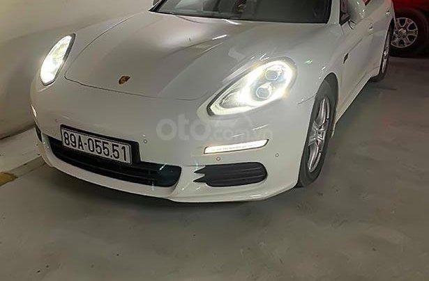 Bán ô tô Porsche Panamera sản xuất năm 2014, màu trắng, nhập khẩu nguyên chiếc xe gia đình0