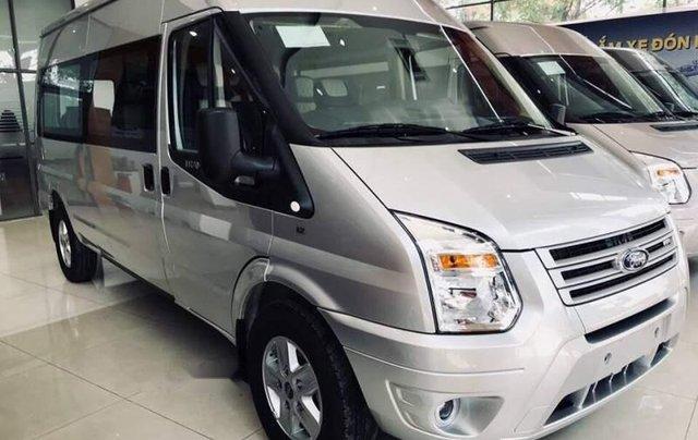 Bán xe Ford Transit sản xuất 2019 giá cạnh tranh0
