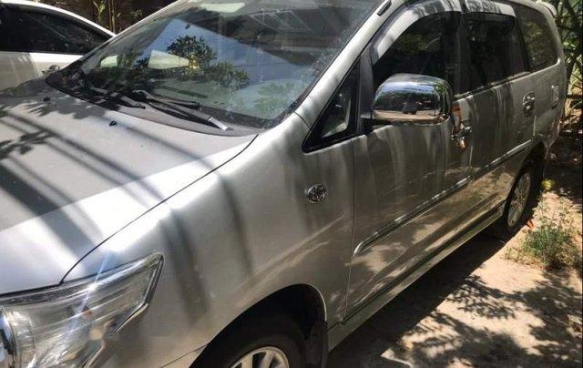 Gia đình bán Toyota Innova năm sản xuất 2014, màu bạc, nhập khẩu1