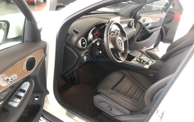Xe nhập khẩu - giá xe Mercedes GLC 300 Coupe 4Matic, thông số kỹ thuật, giá lăn bánh, khuyến mãi 11/20196