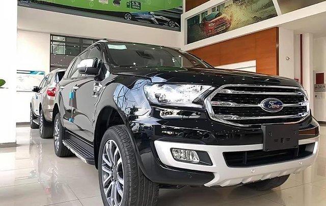 Bán ô tô Ford Everest Titanium 2.0L 4x2 AT sản xuất 2019, màu đen, xe nhập1