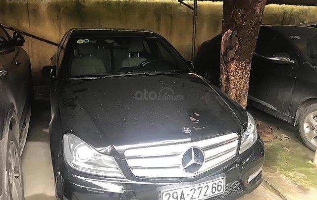 Cần bán lại xe Mercedes C300 AMG sản xuất 2011, màu đen0