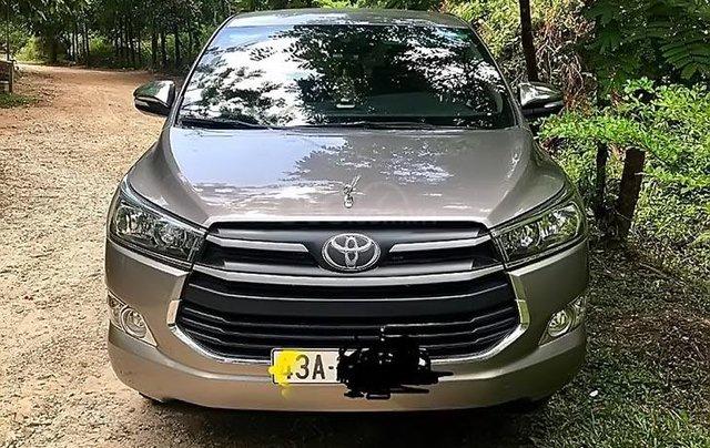Cần bán Toyota Innova 2017, màu bạc số sàn, giá 675tr0