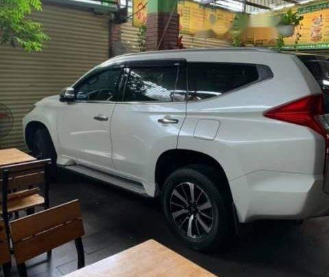 Bán Mitsubishi Pajero Sport đời 2018, màu trắng, xe nhập3