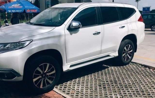 Bán Mitsubishi Pajero Sport đời 2018, màu trắng, xe nhập0