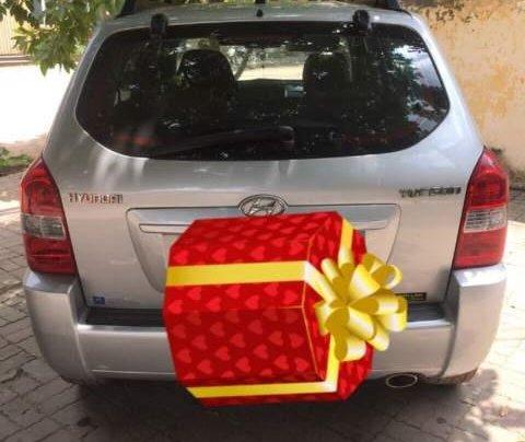 Cần bán gấp Hyundai Tucson đời 2009, màu bạc, nhập khẩu1
