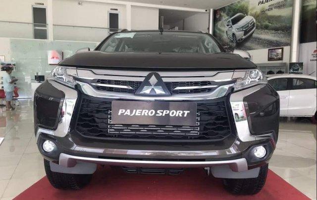 Bán Mitsubishi Pajero sản xuất năm 2019, màu đen, nhập khẩu nguyên chiếc, giá tốt0