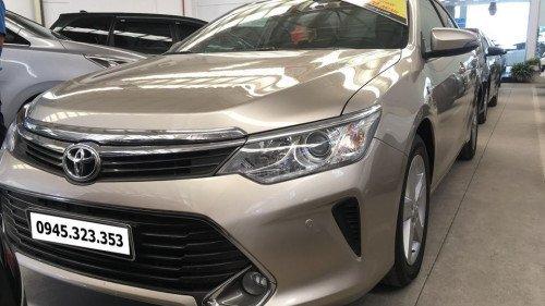 Bán Toyota Camry 2.5 AT năm 2015, màu nâu0