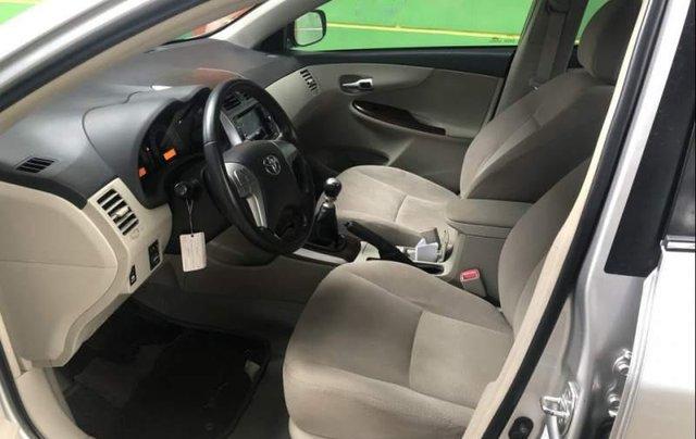 Bán Toyota Corolla altis MT sản xuất năm 2014, màu bạc  2