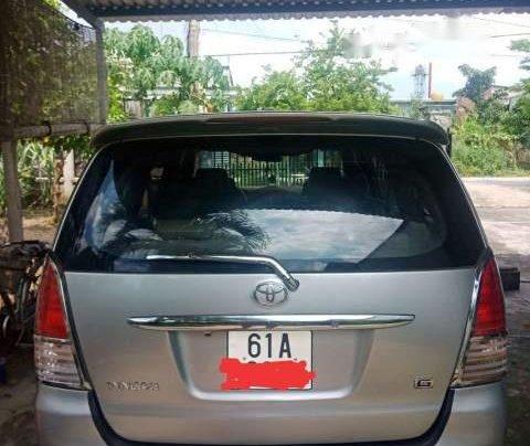 Xe Toyota Innova năm sản xuất 2009, màu bạc1